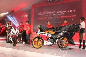 Sejak diluncurkan pada 7 September 2014, penjualan sepeda motor Honda CBR150R terus meningkat hingga melampaui target yaitu sebesar 5.053 unit.