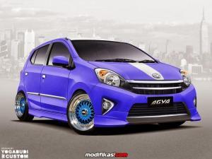 Toyota Agya menggeser penjualan mengejar Avanza di posisi 2...