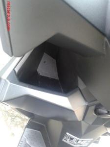 bagasi depan di dek motor