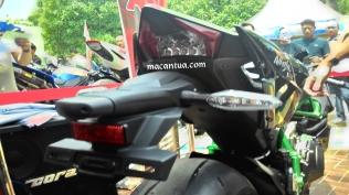 h2 rear tail lights