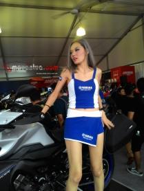wpid-spg-sexy-yamaha-motogp-sepang-2015-6-macantua.com_.jpg.jpeg