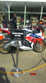 wpid-cbr1000rr-sp-fire-blade-bigbike-parking-zone-macantua.com_.jpg.jpeg