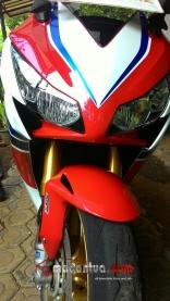 wpid-cbr1000rr-sp-fire-blade-headlamp-macantua.com_.jpg.jpeg