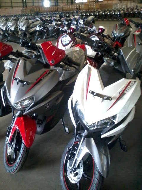 yamaha-aerox-125-lc-scooter-merah-dan-putih.jpg.jpeg