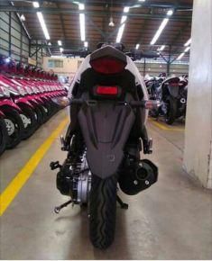 yamaha-aerox-125-lc-scooter-tampak-belakang.jpg.jpeg