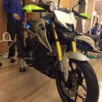 Yamaha Xabre full Aksesoris