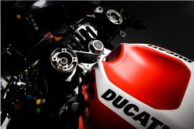 ducati-gp16-factory-team-4.jpg.jpeg