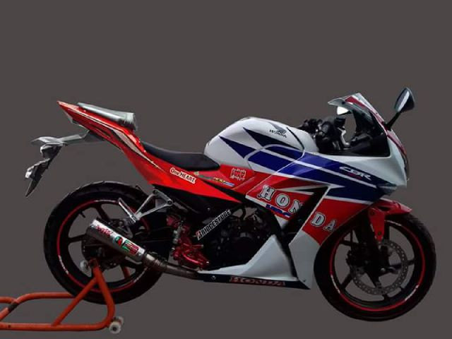 Top modifikasi buntut cbr150r lokal