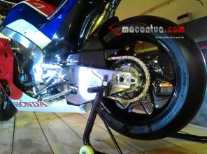 honda-rcv-213-v-ahm-rear-wheel-macantua.com_.jpg.jpeg