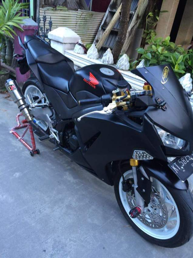cbr 150 k45 cutting black doff 5