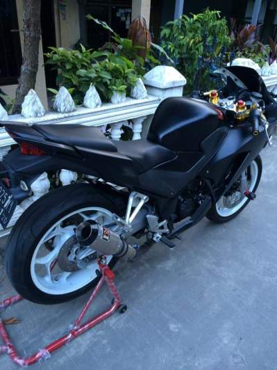 cbr 150 k45 cutting black doff 4