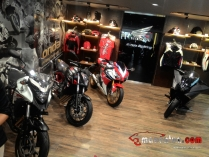 launching-dealer-big-bike-honda-big-wing-astra-motor-makassar-big-bike-booth-macantua.com_.jpg.jpeg