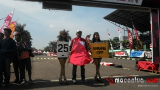 honda-dream-cup-bandung-umbrella-girl-9-macantua.com_.jpg.jpeg
