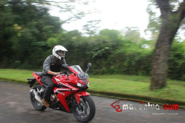 test-ride-honda-big-bike-cbr500
