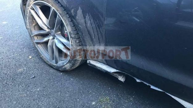 Valentino rossi kecelakaan mobil